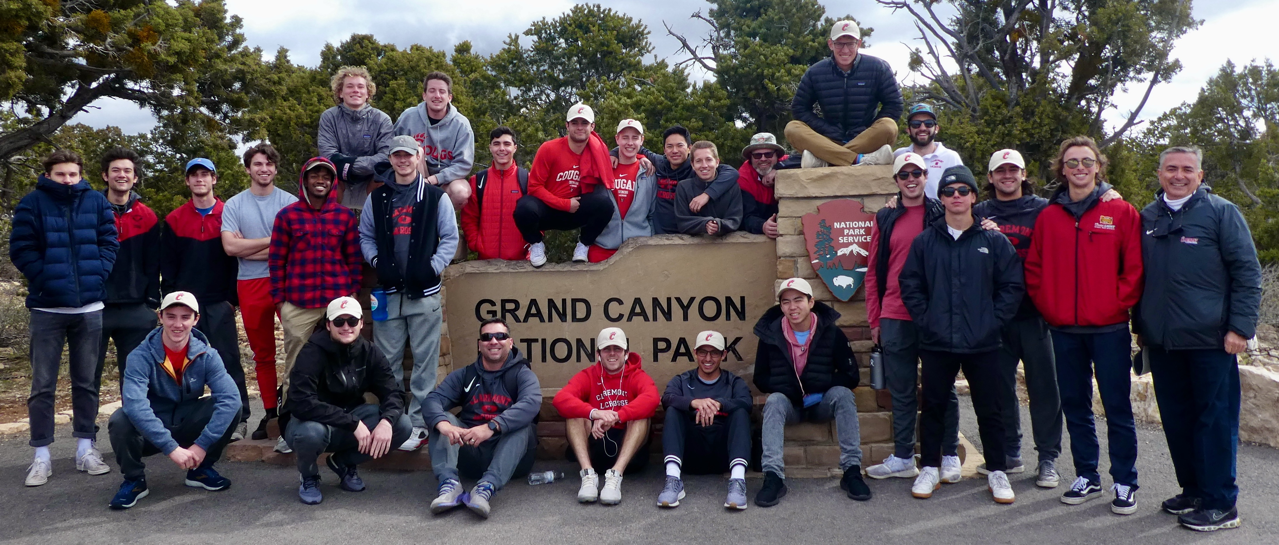 2020 Cougar team photo with Grand Canyon sign